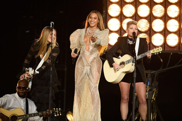 beyonce-dixie-chicks-cma-2016